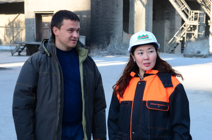 General Director of the Vostokcement group of companies Andrey Pushkarev talks with Maria Khristoforova