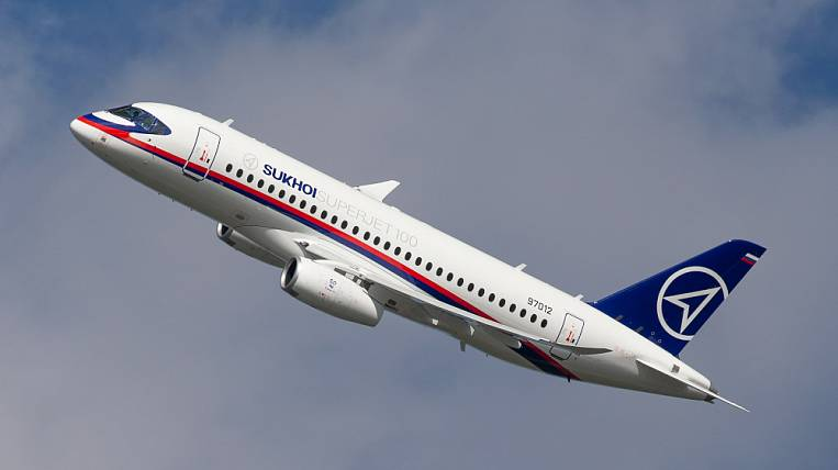 Russian airlines may buy SSJ100 from Ireland