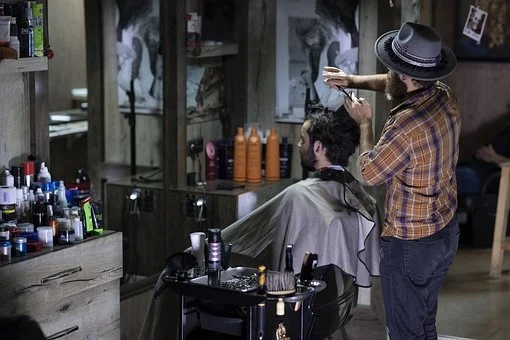 Revenue of beauty salons in Russia fell to 70%