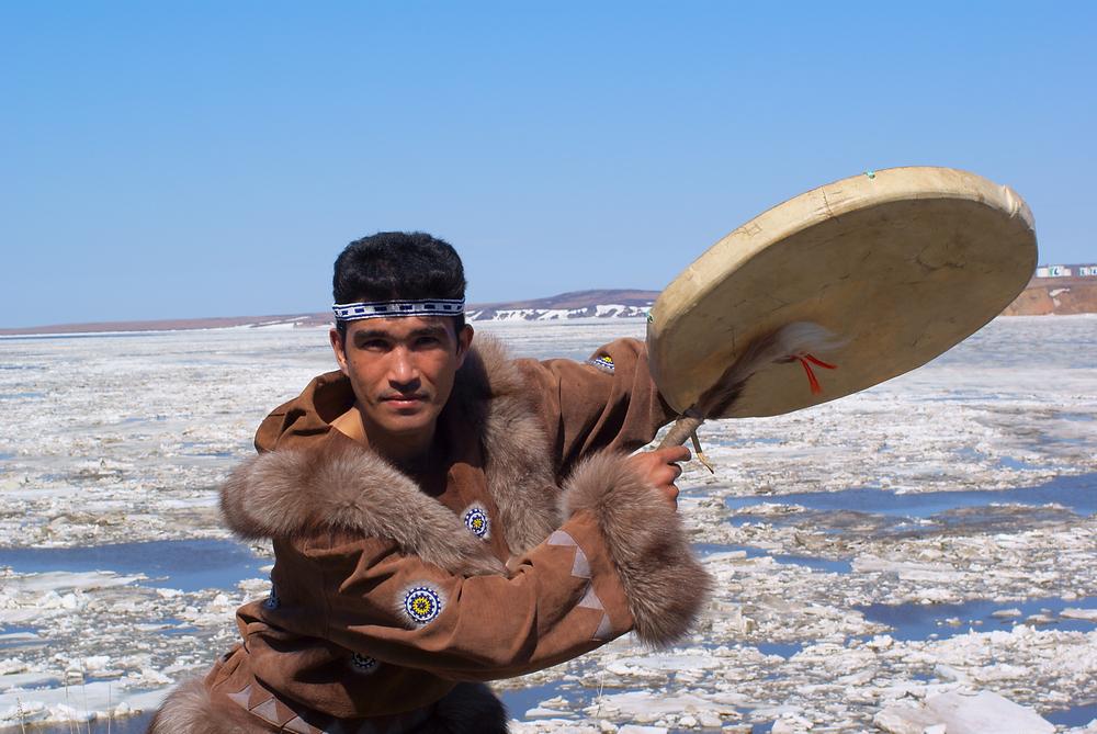 Мужчины северных народов россии голые фото, сел на большой дилдо