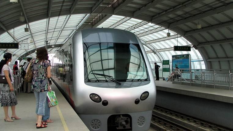 В «Поднебесной» запущен 1-ый энергосберегающий поезд намагнитной подушке