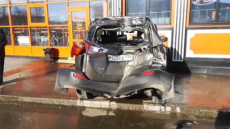 Defective tram damaged 9 cars in Irkutsk