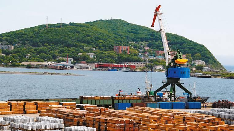 Китайский холдинг начнет перевалку зерновых в Приморском порту