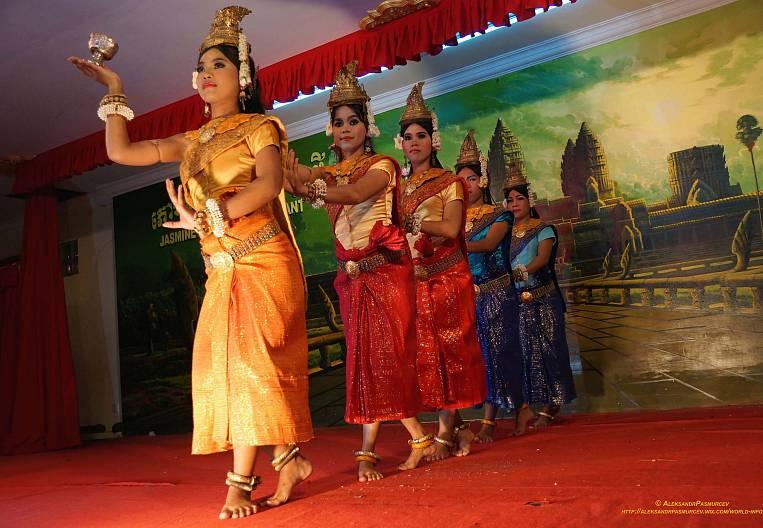 Kaleidoscopes of Cambodian impressions