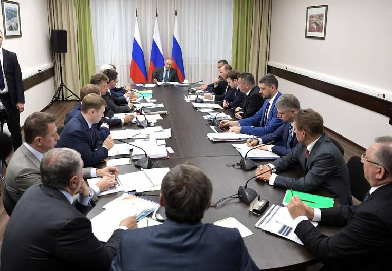 The cards of Gazprom and Rosneft disclosed to the president