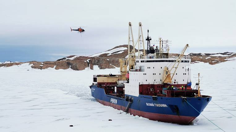 """Vasily Golovnin"" arrived at the Indian polar station ""Bharati"""