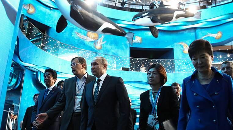 Путин продемонстрировал главам Кореи иЯпонии крупнейший вмире океанариум