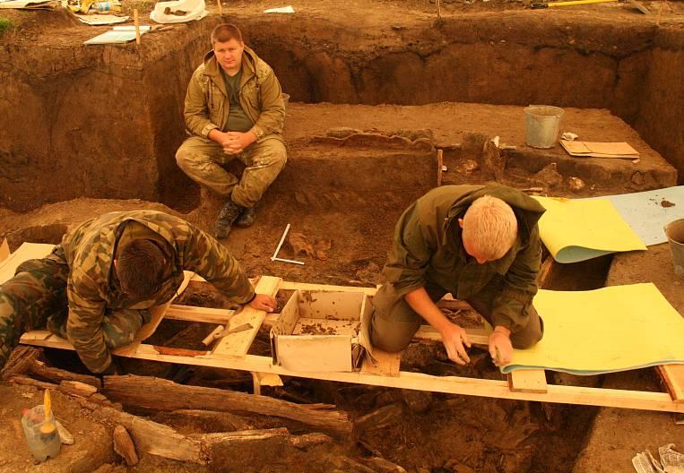 In Albazino, a mass grave was discovered