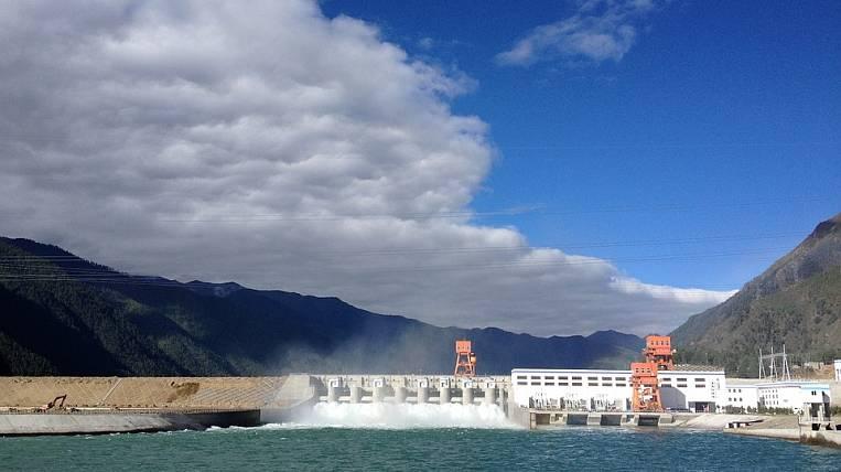 Иркутская ГЭС снизила пропуск воды из-за паводка